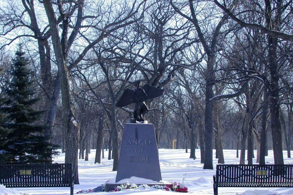 City Park Fargo Nd Angel Of Hope Memorials Pinterest