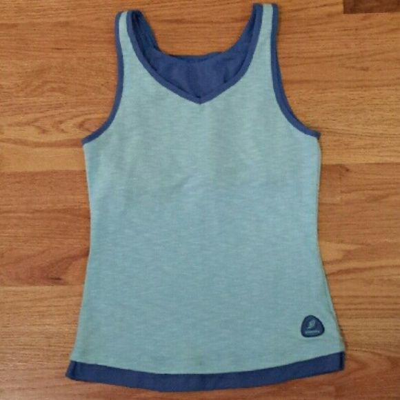 Saucony Tank with built in bra Good condition-no stains, no damage, no fading. Saucony Tops Tank Tops
