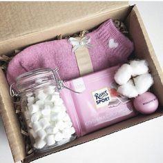 Para las noches de invierno, calcetines, taza, infusión, pastas, vela... #wichtelgeschenkideen
