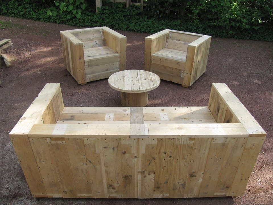 Muebles de palets set de muebles para el jard n con for Muebles jardin madera palet