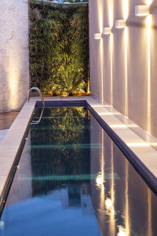 Busca imágenes de diseños de Albercas estilo moderno de Estela Netto Arquitetura e Design. Encuentra las mejores fotos para inspirarte y crear el hogar de tus sueños.