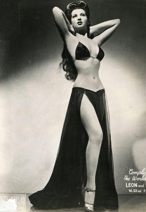 1940s Burlesque Dancers | Burlesque dancer Sherry Britton c. 1940s