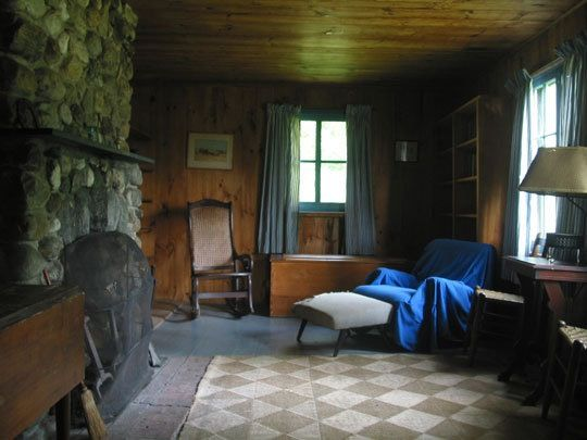 10 Historic American Writers Homes Living Spaces Summer Cabins Cabin Interiors
