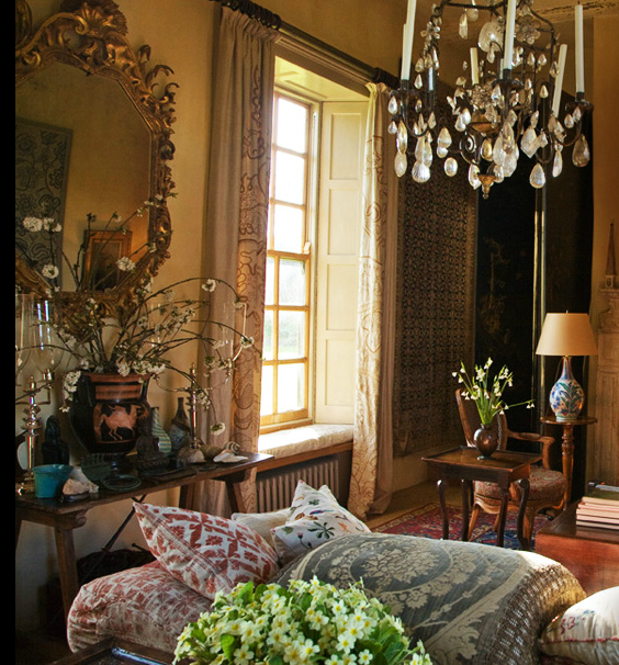 robert kime interior that pale old yellow wall color makes for a rh pinterest com