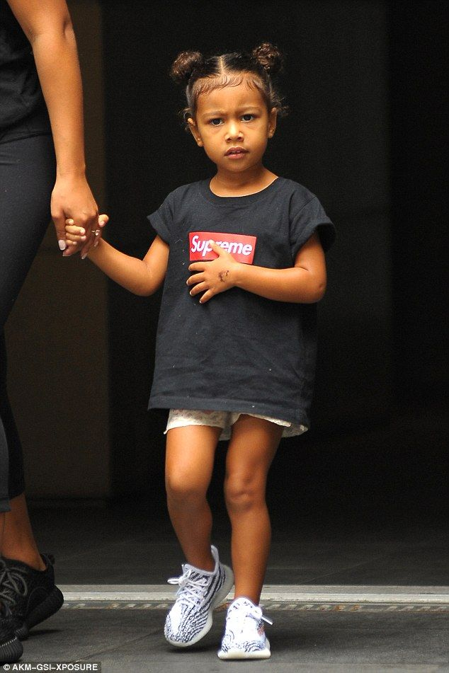 North NyfwGrow West's Wears Trainers Kanye Yeezy During West 34Rc5SjALq