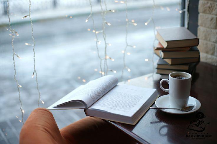 Resultado de imagem para books and coffee tumblr