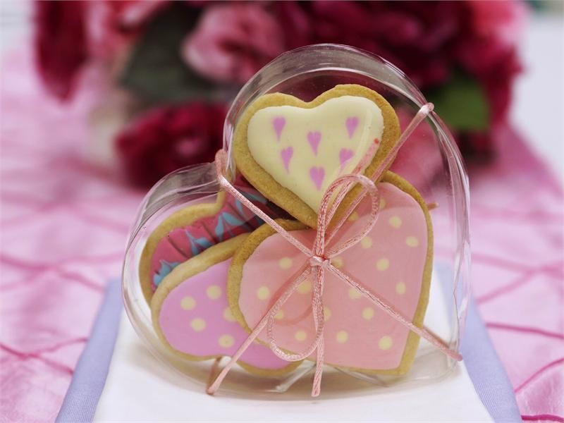 25 pack plastic clear heart favor candy boxes 5 x 4 x