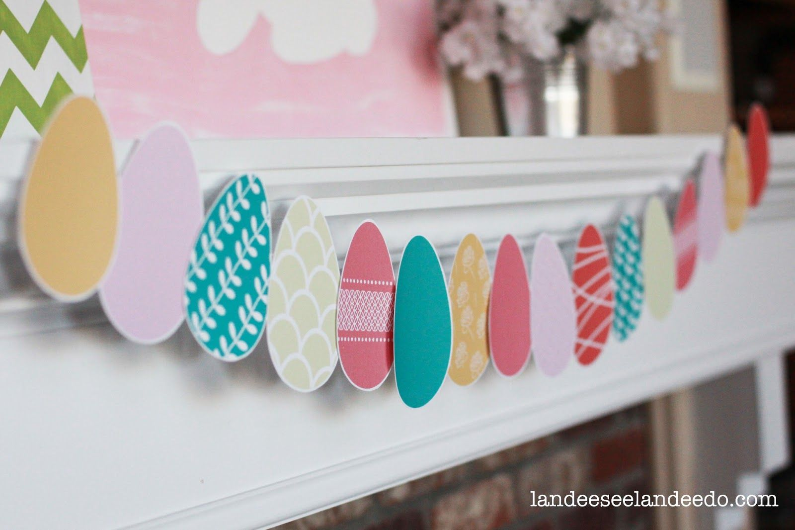 Landee See, Landee Do: Easter egg garland - free printable