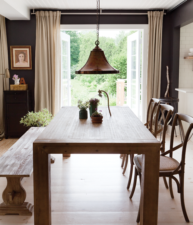 Old Country Dining Room Tables: Proof That Black Walls Can Work In Almost Any Room