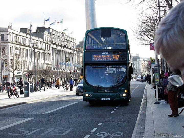 Mit AirLink kommt man in nur 30 Minuten vom Flughafen Dublin in die Innenstadt. Diese Information hat mir gereicht um mich für diesen Weg des Transfer nach Dublin zu entscheiden. Für nur 6 € pro Pe...