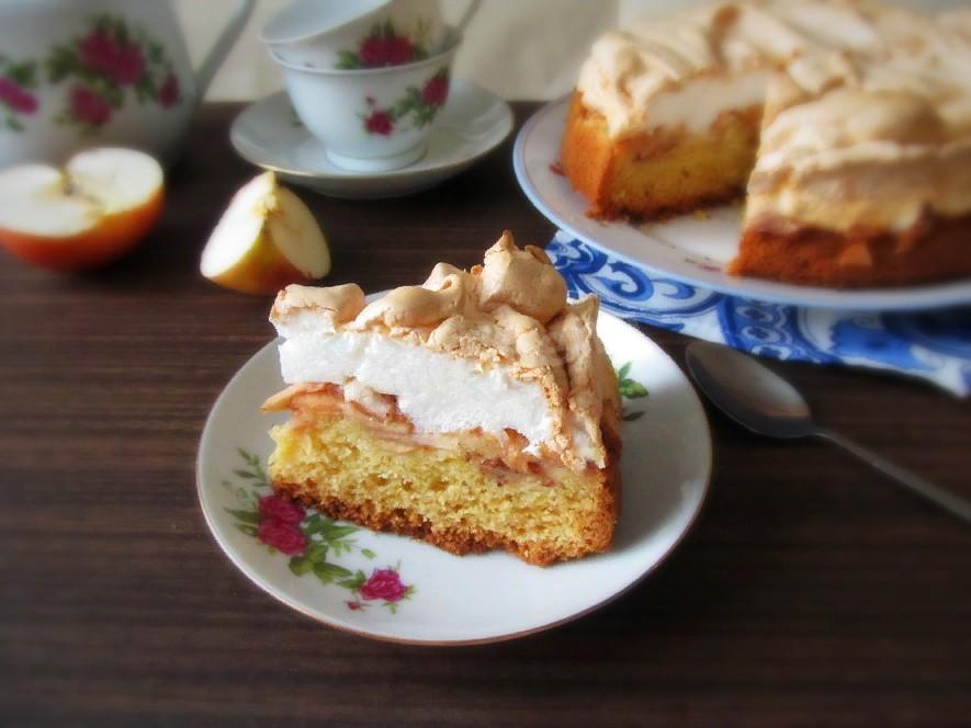 Трехслойный яблочный пирог с безе рецепт с фото пошагово ...