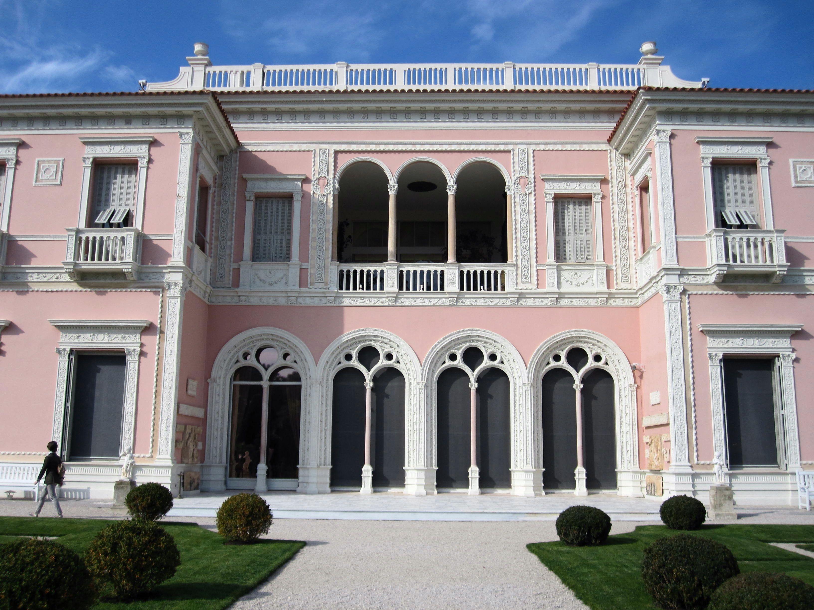 Villa facing the formal gardens