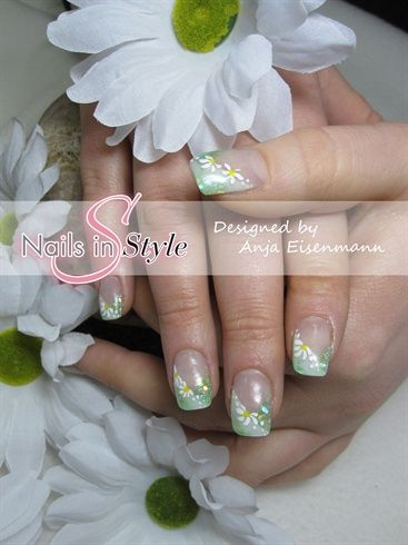 Spring Inpressions: Chamomile Flower - Nail Art Gallery