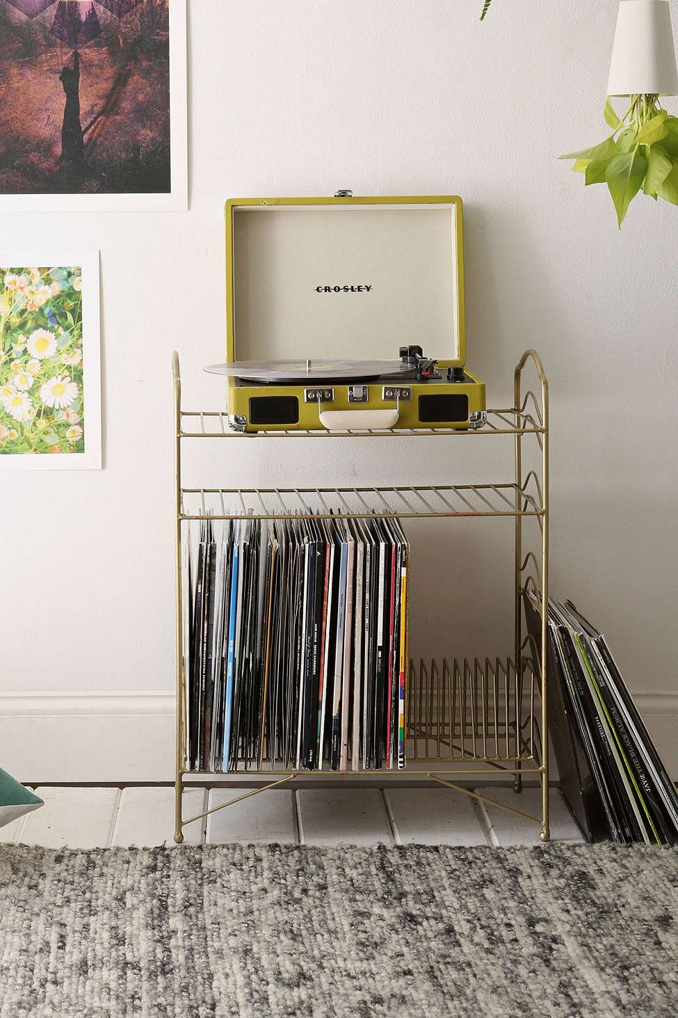 Vinyl record storage shelf decoration salon id e for Chambre urban outfitters