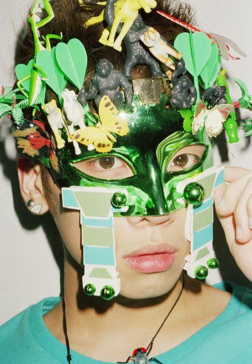 11 Ridiculously Complicated Face Masks Worn By K Pop Idols Jonghyun Shinee Shinee Odd