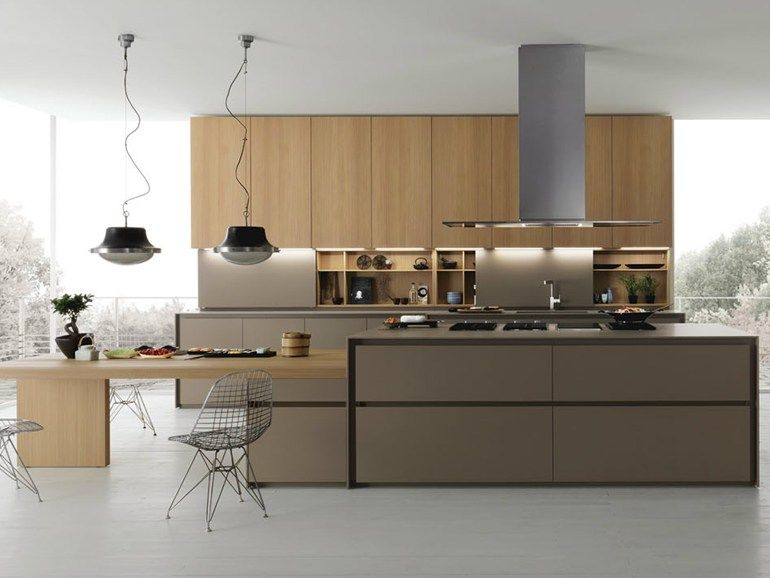 Cucina in abete con isola axis 012 collezione axis 012 by for Cucine moderne scure