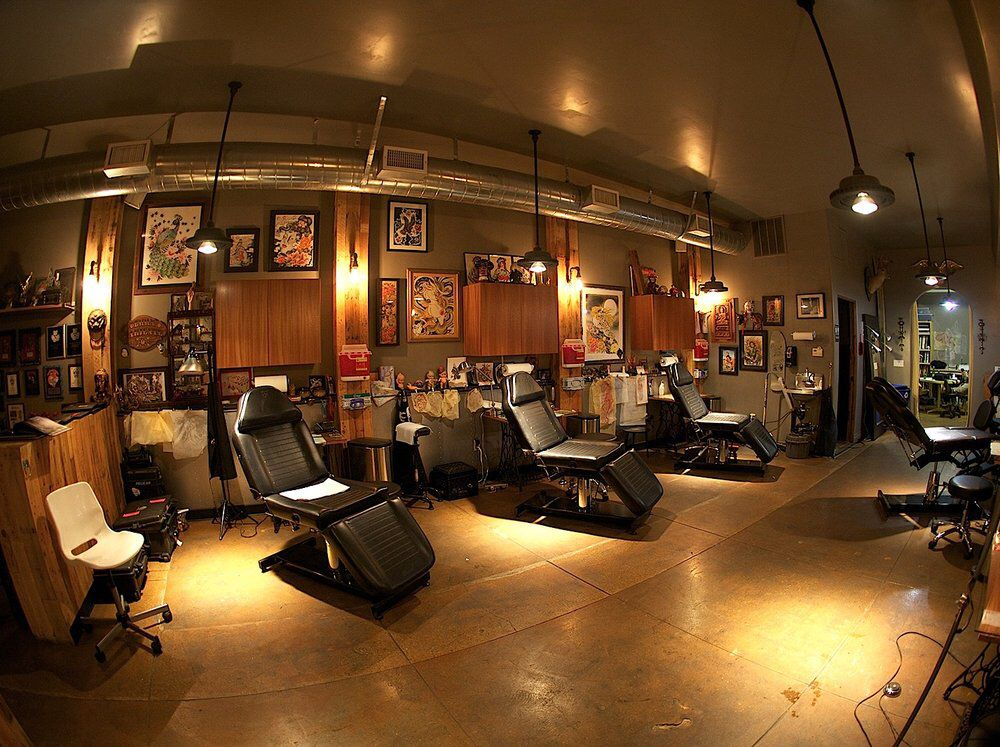 Tattoo shop pinteres for Tattoo shop design