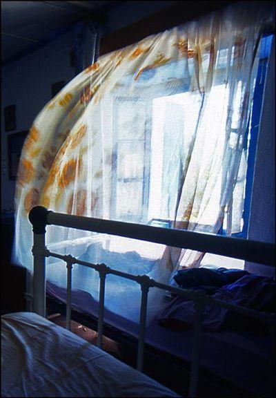 نتيجة بحث الصور عن Open the windows in hotels