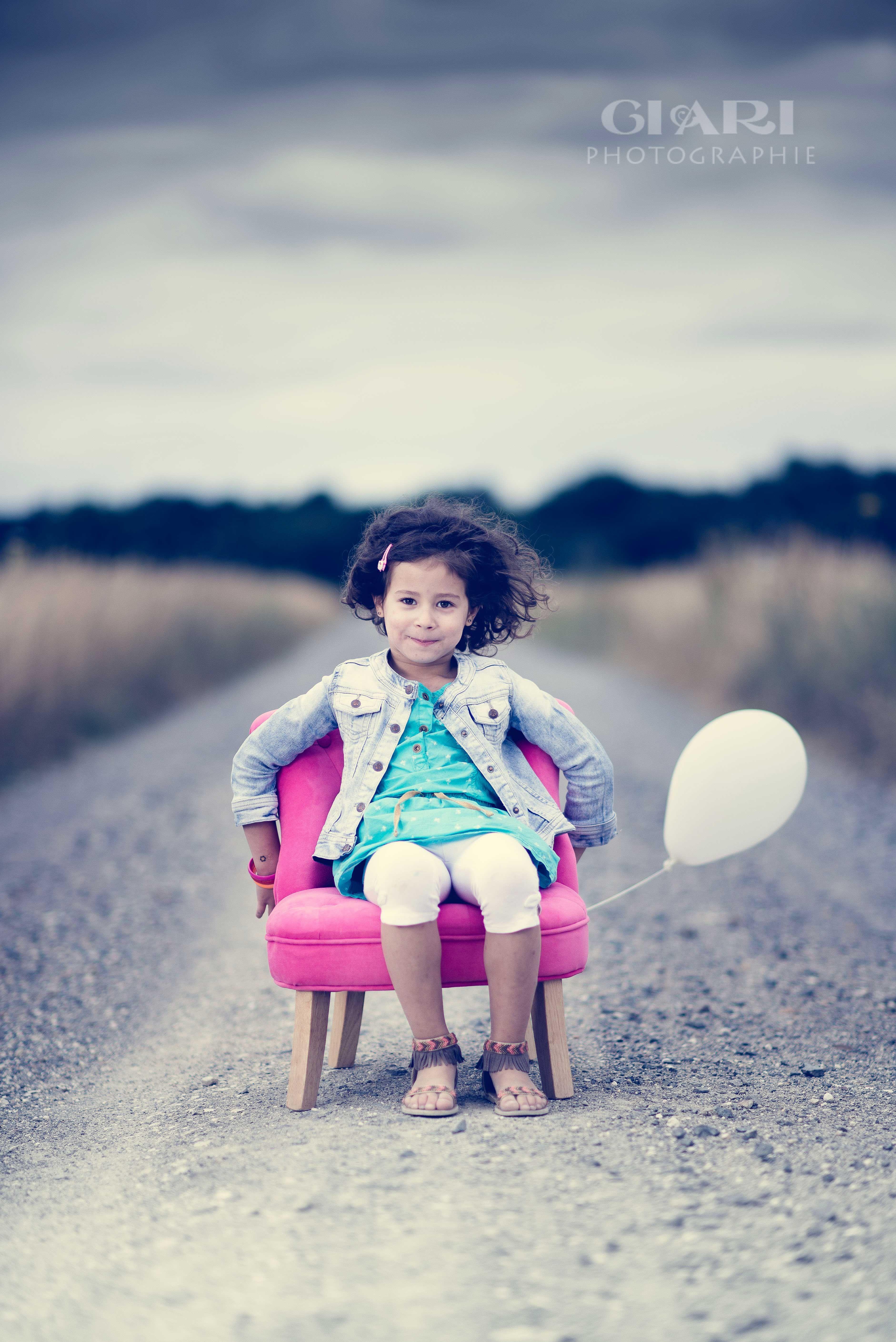 LITTLE GIRL IN A CHAIR CIARI PHOTOGRAPHIE Pinterest