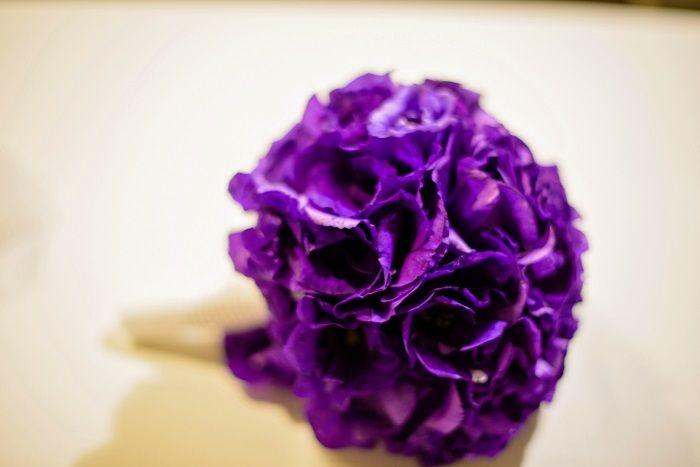 Purple wedding bouquet | Romantic Rome Garden wedding | Fab Mood