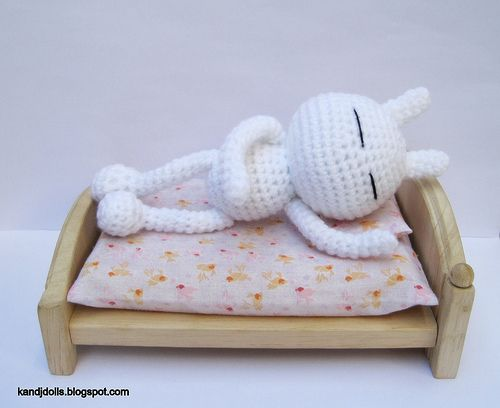 Easy Amigurumi Crochet Patterns : Tuzki easy amigurumi pattern in bed easy amigurumi pattern
