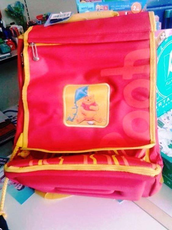 f4f0217c0f DISNEY WINNIE THE POOH zaino scuola rosso e giallo ocra nuovo con etichette