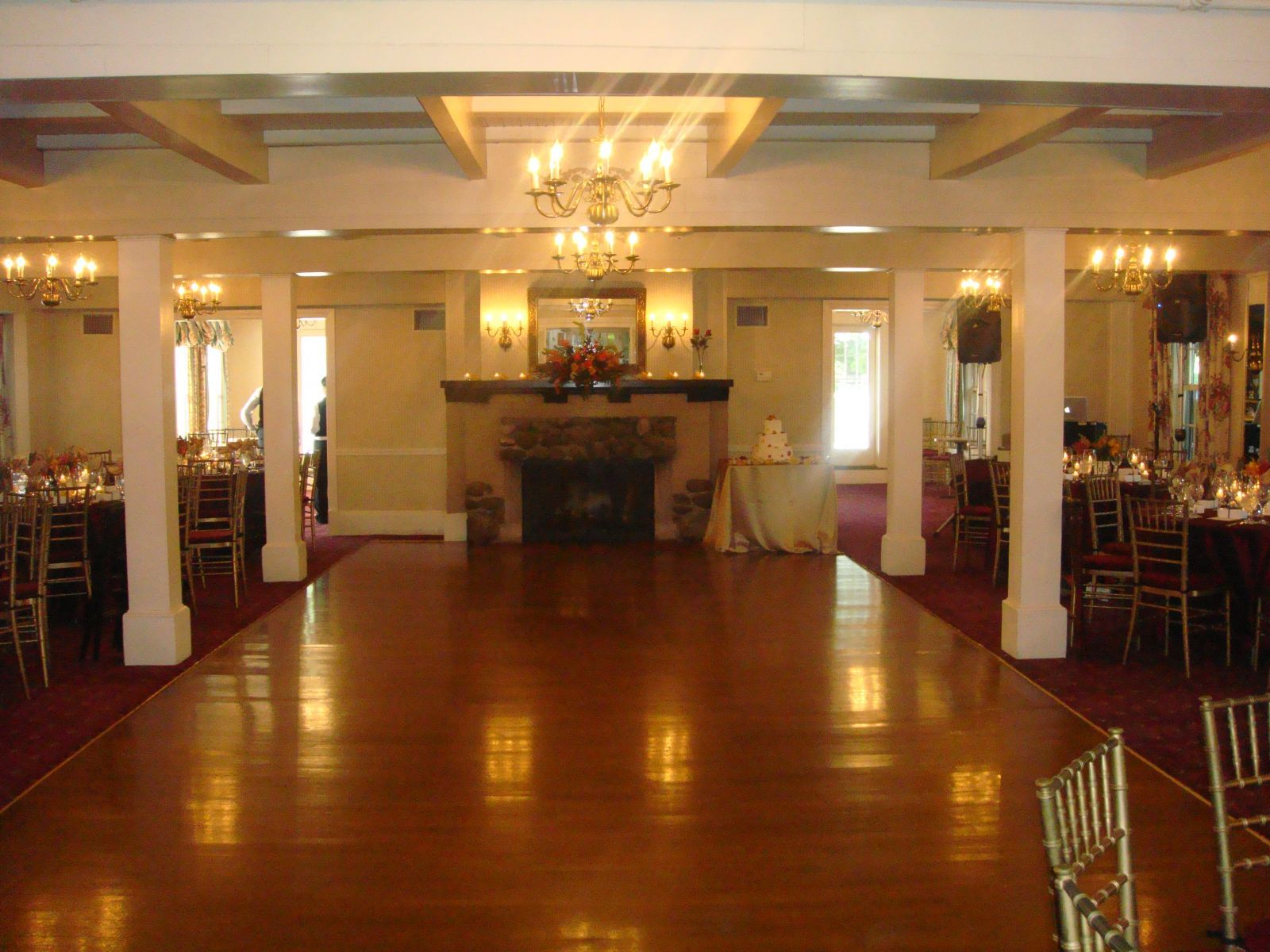 Sandy Burr Country Club S Ballroom In Wayland Massachuetts