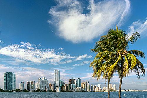 Yhdysvalloissa järjestettävä Cruise Shipping Miami avaa meriteollisuusalan messuvuoden maaliskuussa jo 31. kerran.  Vuosittain järjestettävä CSM on risteilyalan tärkein messutapahtuma, jonne osallistuu alan asiantuntijoita, sekä uusia risteilykohteita ja vaihtosatamia etsiviä varustamoiden edustajia.