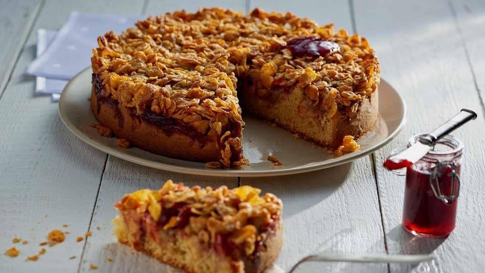 Migdalowe Ciasto Z Jablkami I Konfitura Truskawkowa Przepis Recipe In 2020 Desserts Food Banana Bread