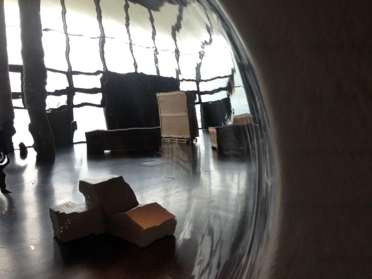 Van Tetterode Glass Studio makes glass bubble for AVL Poolhouse
