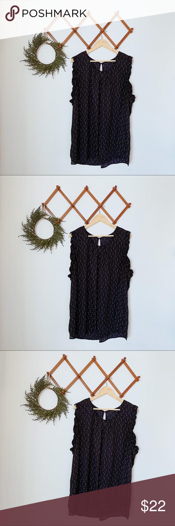 ✨ torrid plus size arrow pattern ruffle sleeve top 17