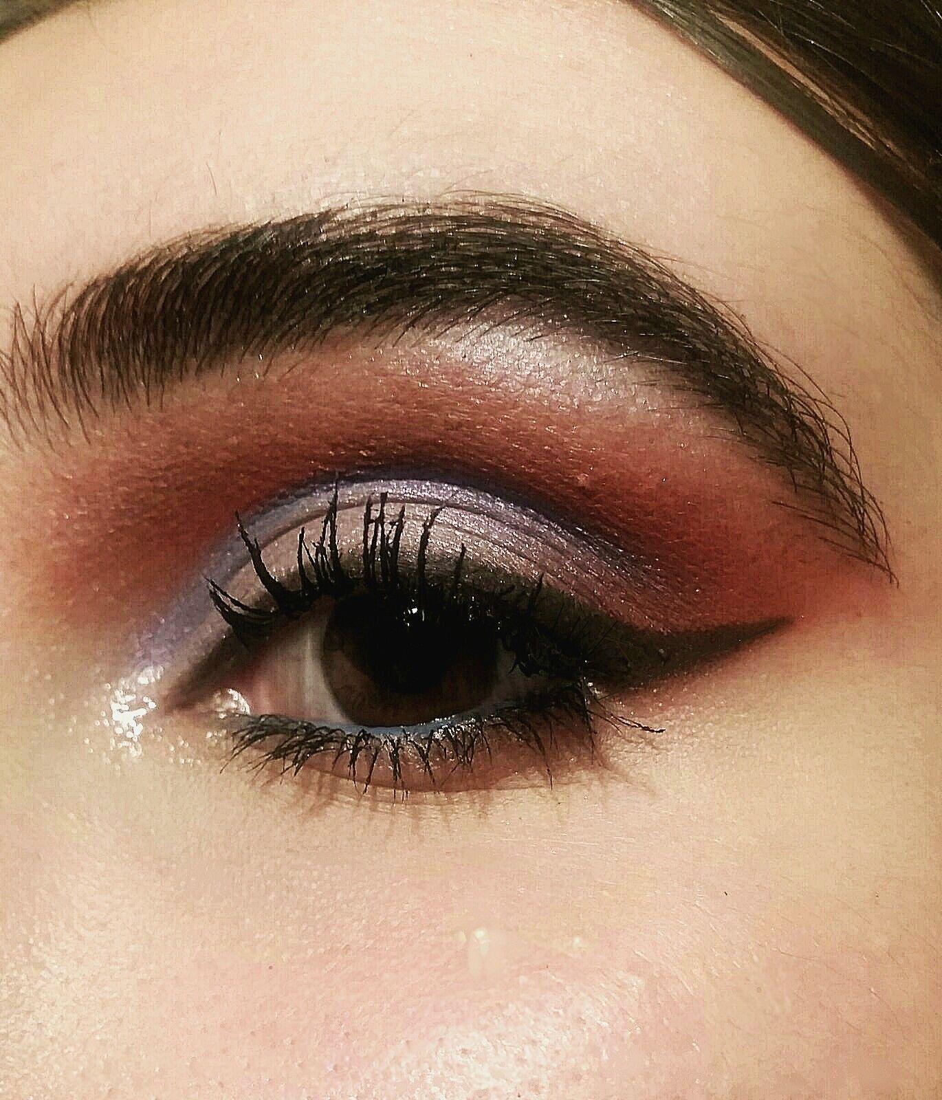 Pin adăugat de Nicoleta N pe Makeup