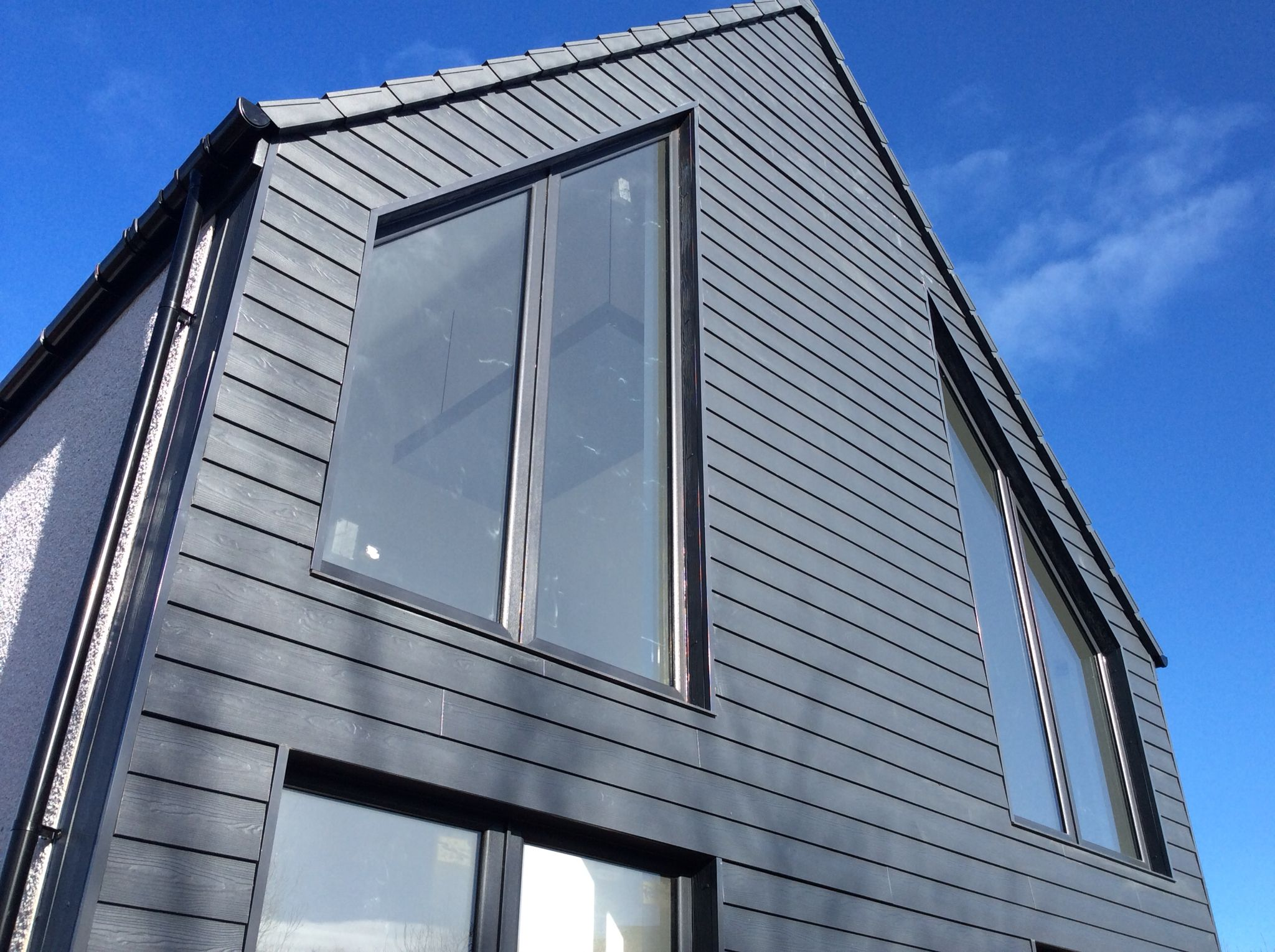 new installation of a cedral weatherboard in north scotland bardage mix pinterest arriere. Black Bedroom Furniture Sets. Home Design Ideas