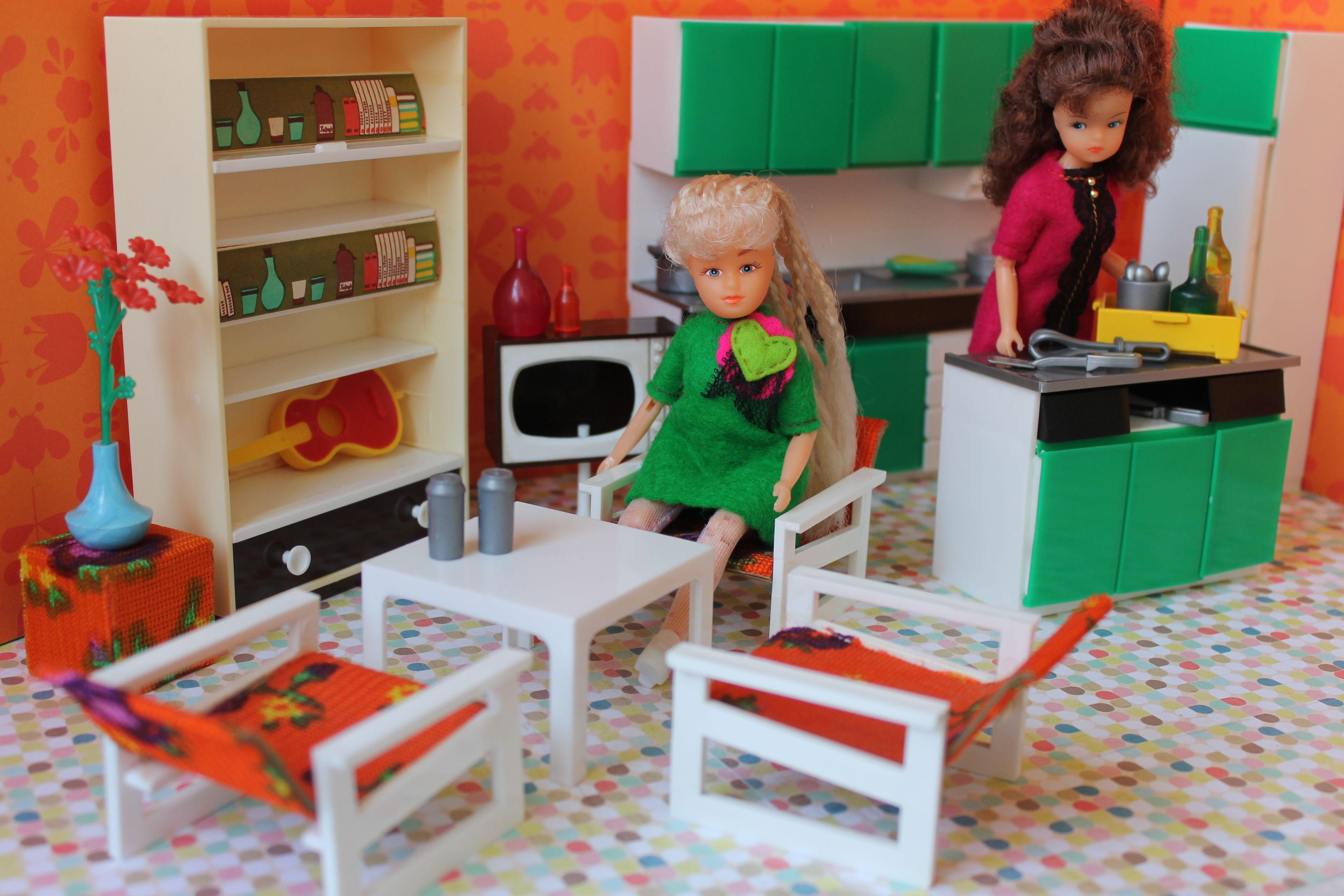 Vero DDR dollhouse furniture Vero DDR dollhouse