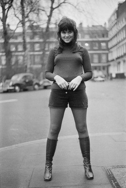 67299dbd04e7 American singer Linda Ronstadt in London