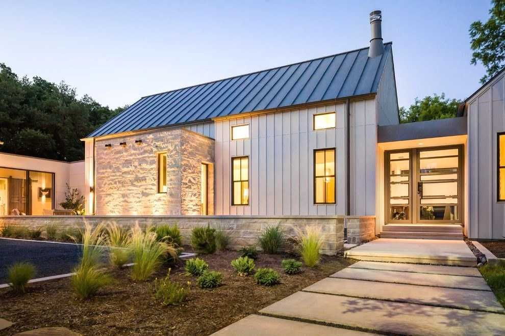 Contemporary Farm House Plans Lovely Modern Steel Roof Design Exterior Farmhouse With Metal Modern Farmhouse Exterior Modern Farmhouse Plans Farmhouse Exterior