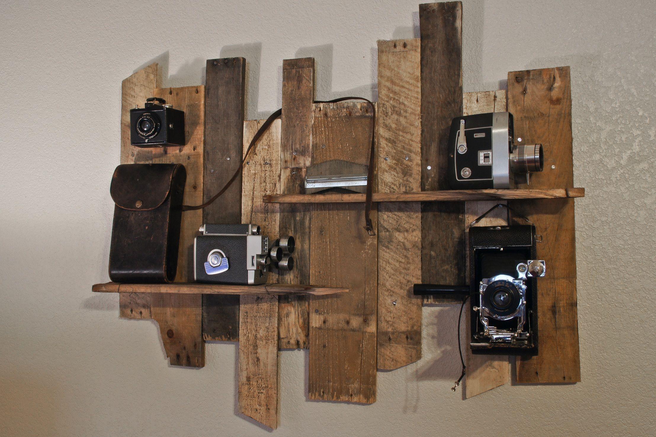Camera display: pallet wood.