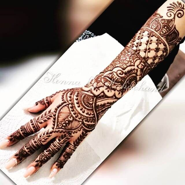 Best And Contemporary Designs Of Mehndi In A Present Time