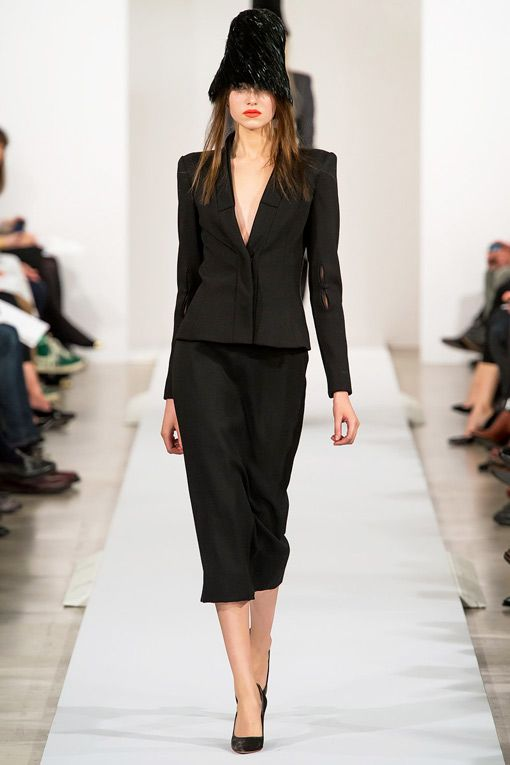 Simple & Chic Black Midi Skirt-Suit I Oscar De La Renta Fall Winter 2013 #fashion #trends