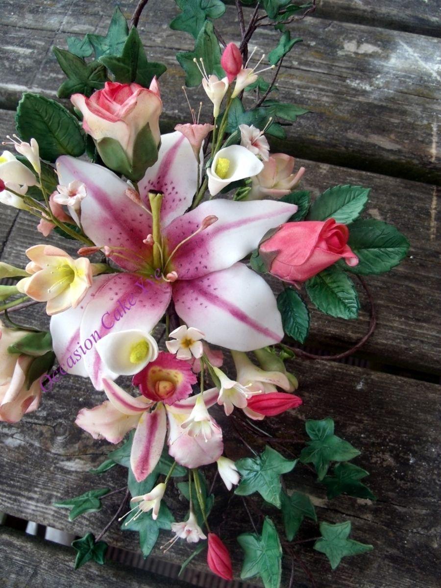 Wired Spray | Flowers, Flower spray, Sugar paste flowers