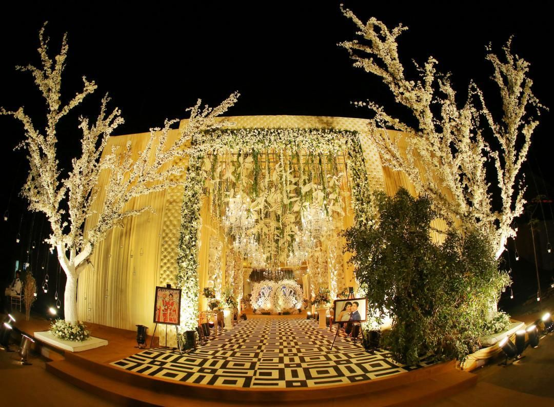 13 Beautiful Wedding Entrance Decor Ideas That You Need To Save
