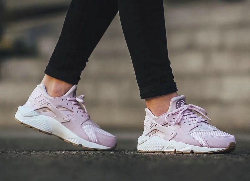 Laura Begum on in 2020 | Nike air huarache, Purple trainers