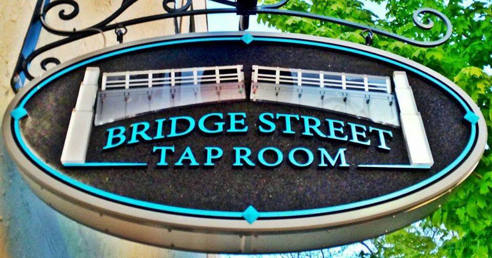 Bridge Street Tap Room In Charlevoix Tap Room Charlevoix Michigan Beer