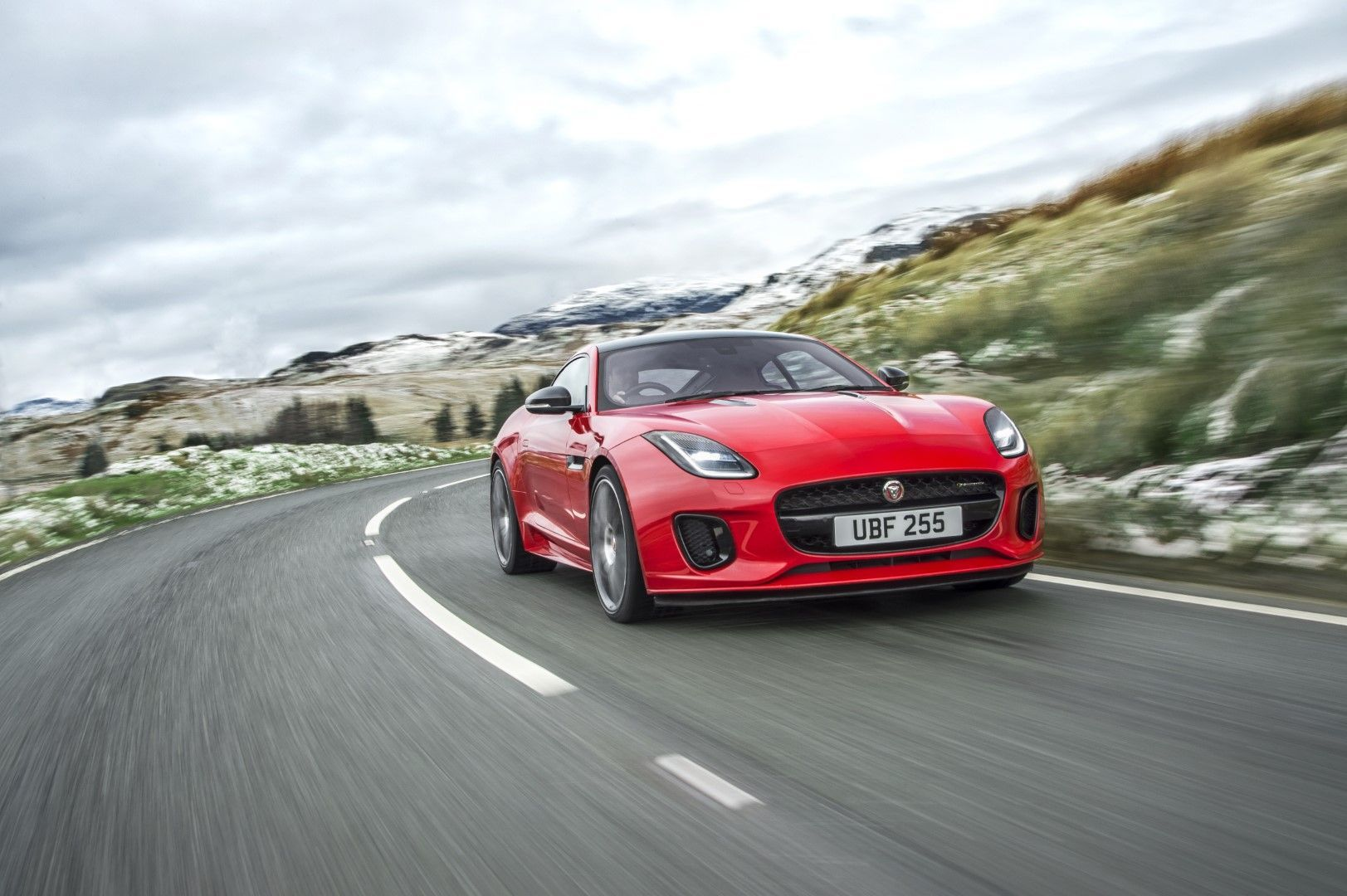 2018 jaguar f type with the newly introduced ingenium 4 cylinder gas rh pinterest com