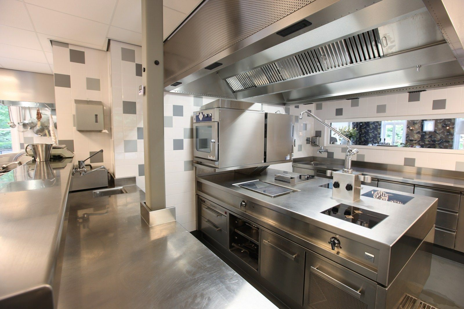 Restaurant Kitchen  Commercial kitchen design, Restaurant kitchen