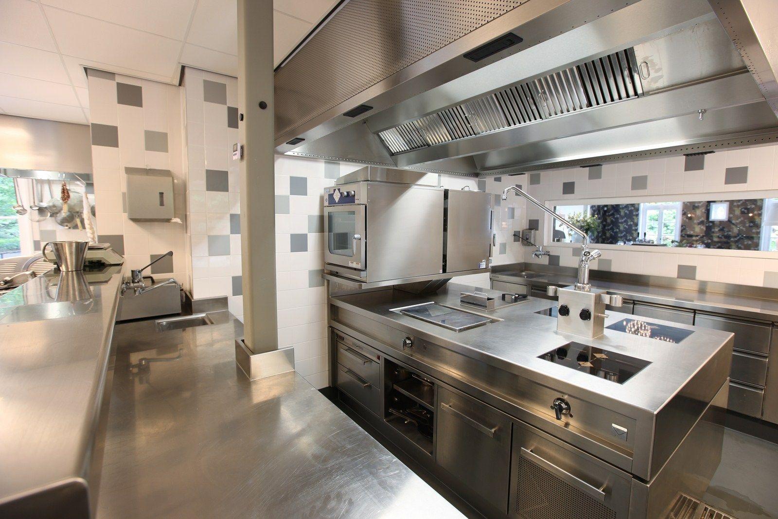 Restaurant kitchen design  Restaurant Kitchen  Live cooking restaurantFood prep stations