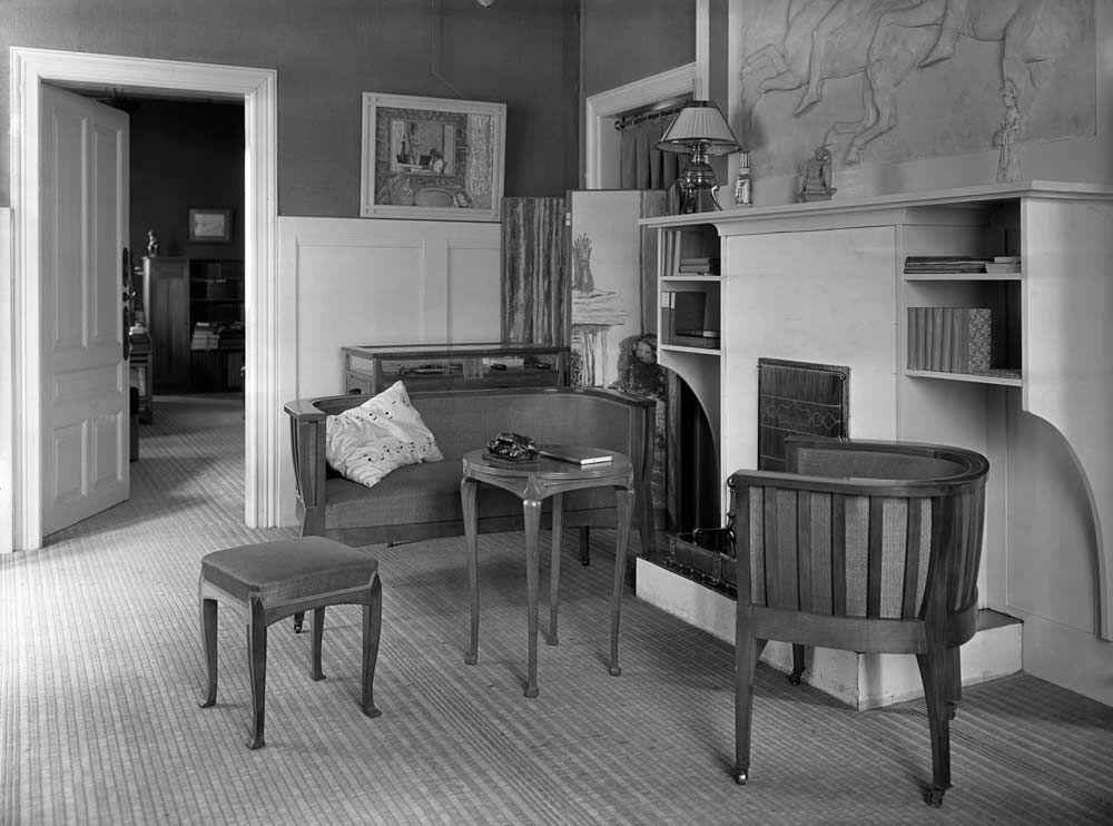 the interior of count harry kessler house in weimar designed by belgian architect henry van de. Black Bedroom Furniture Sets. Home Design Ideas