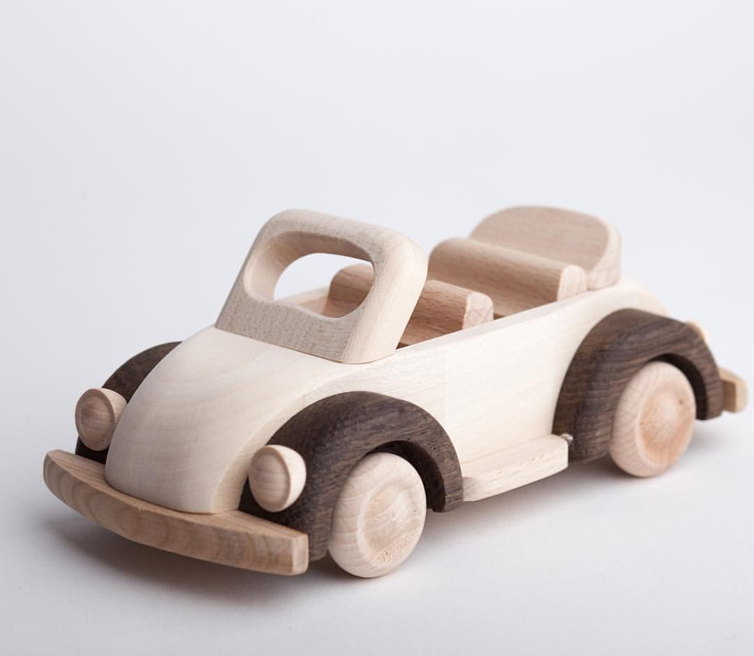 tralala.studio #woodencar #woodentoys #car #garbus #forboys