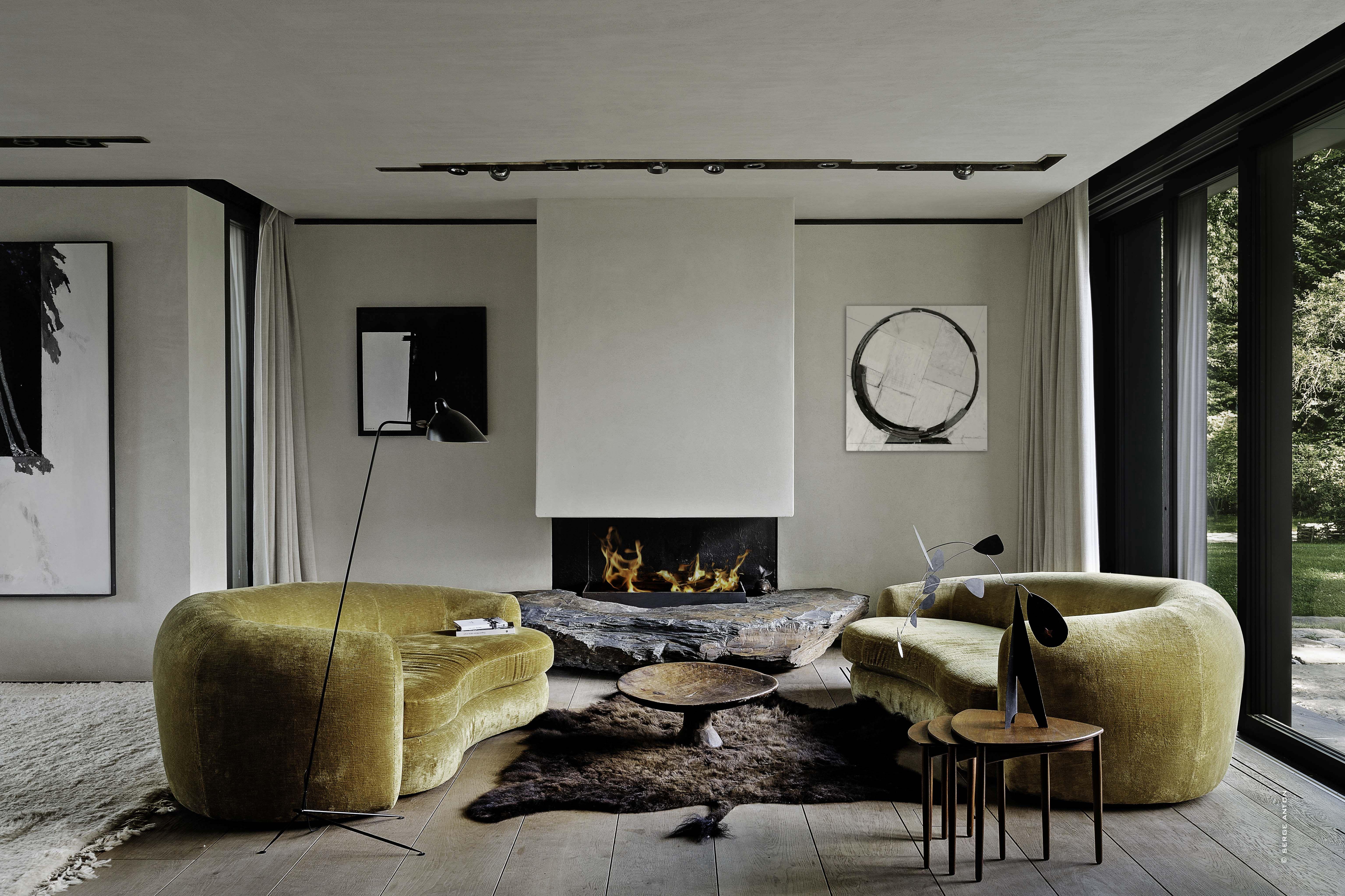 Luxury Living Room With Bespoke Sofas Pic: Serge Anton #bespoke #livingroom  #luxury #designer #interiordesign #interiors