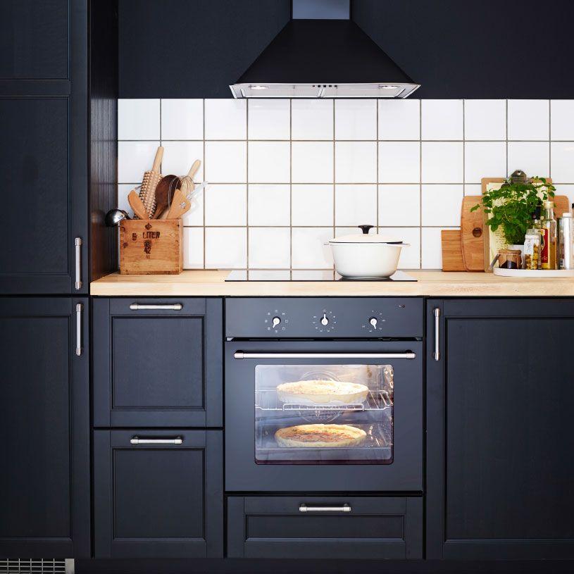 Inspirational Traditionelle dunkle K che mit LAXARBY Fronten Glast ren und Arbeitsplatten aus Holz